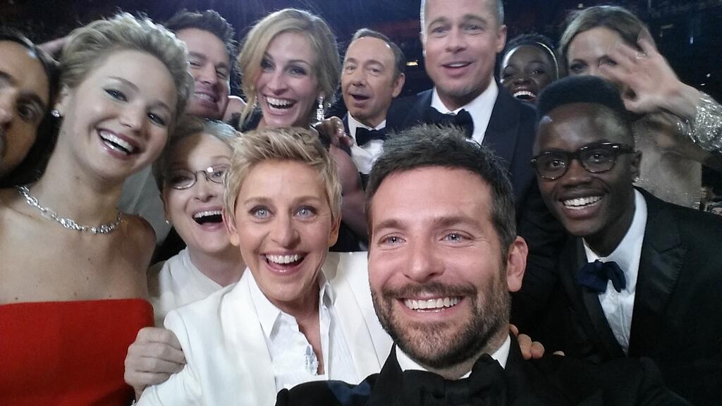 Ellen snaps a selfie